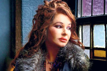 """Natacha Atlas will release a new album titled """"Expressions Live in Toulouse"""" on May 6. (Photo: Cihan)"""