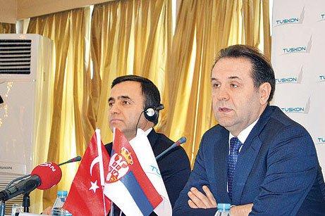 TUSKON President Rızanur Meral (L) and Ljajic adress reporters at Tuesday's meeting. (Photo: Cihan)