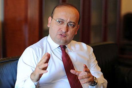 Dr. Yalcin Akdogan