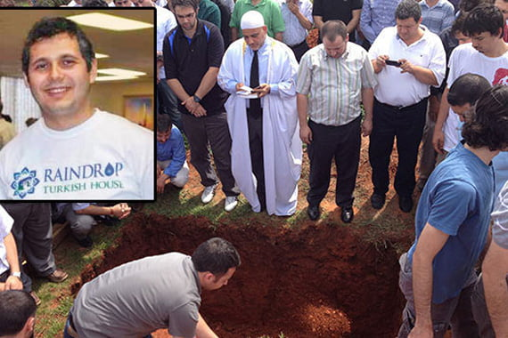 The director of the Raindrop Turkish House in Oklahoma City, Murat Zengindemir, who drowned last Thursday, was buried on July 28. (Photo: Onur Kaya, Cihan)