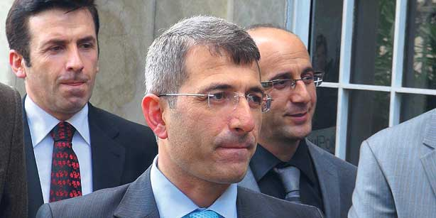 Prosecutor Muammer Akkaş, who was removed from a corruption investigation, said that he was under pressure and was prevented from doing his job. (Photo: Today's Zaman)