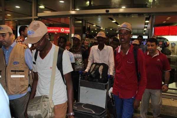 Kimse Yok Mu flies back 210 Somali students