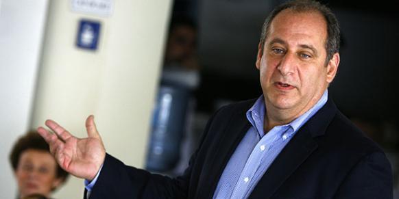David L. Phillips is seen speaking before participats in a seminar at Sabancı University in 2010. (Photo: Today's Zaman, Kürşat Bayhan)