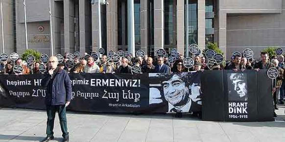 The Friends of Hrant held a press conference in front of Çağlayan Courthouse before the eighth hearing in the retrial of the Dink murder on Friday. (Photo: Cihan)