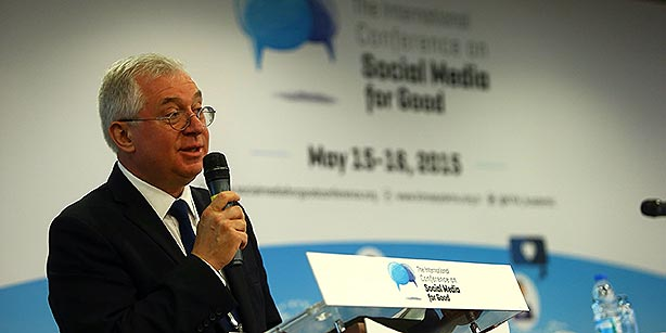 The keynote speaker for Friday's meeting was Andrei Abramov, the former chief of the NGO branch of the United Nations Economic and Social Council (ECOSOC). (Photo: Today's Zaman, Mehmet Yaman)