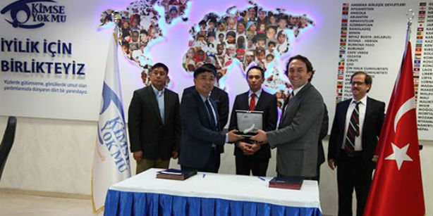 Kimse Yok Mu (KYM) has signed an agreement with the Philippine government on closer cooperation to further aid, education and development efforts in the two countries. (Photo: Cihan)