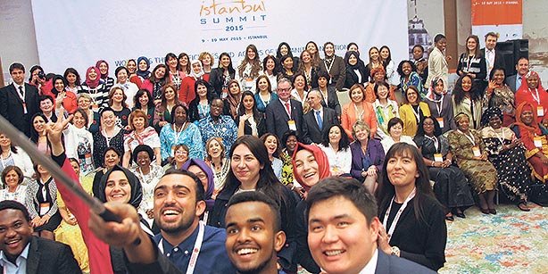 More than 300 women from 50 countries attend a summit organized by the GYV in İstanbul on May 9 and 10 to address problems faced by women around the world. (Photo: Today's Zaman)