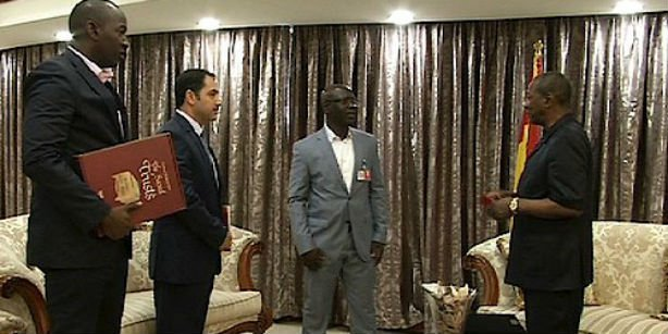 Guinean President Alpha Conde received officials from Turkish schools in the country at his office. (Photo: Cihan, Hakan Tetik)