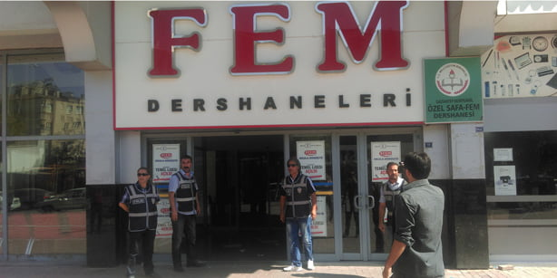 Eight institutions owned by the Safa Education Institution were raided by the police along with inspectors from several ministries and institutions. (Photo: Cihan)