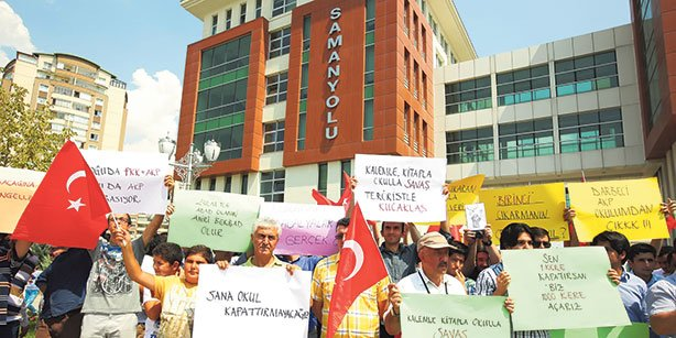 Parents of students in Gülen-inspired Samanyolu schools in Ankara protest recent government raids.