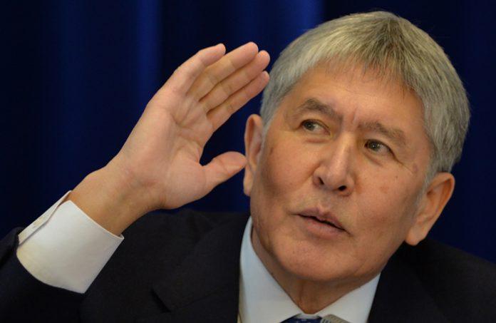 Kyrgyz President Almazbek Atambayev speaks during his end of the year press conference at the Ala Archa state residence in Bishkek on December 1, 2016. / AFP PHOTO / Vyacheslav OSELEDKO