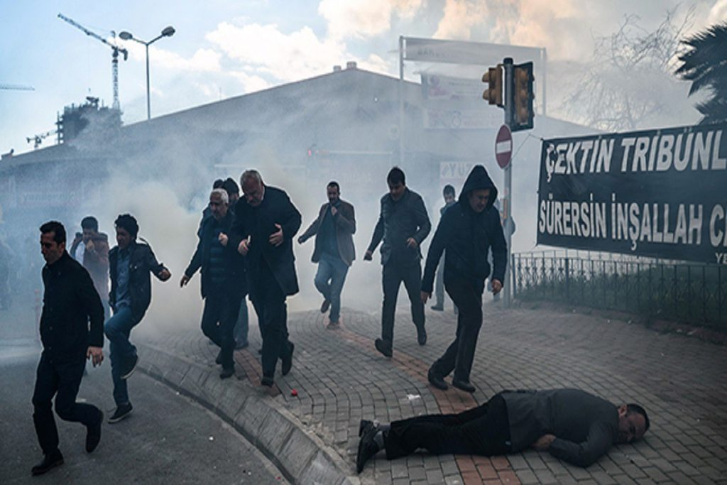 TURKEY-POLITICS-MEDIA-POLICE-DEMO