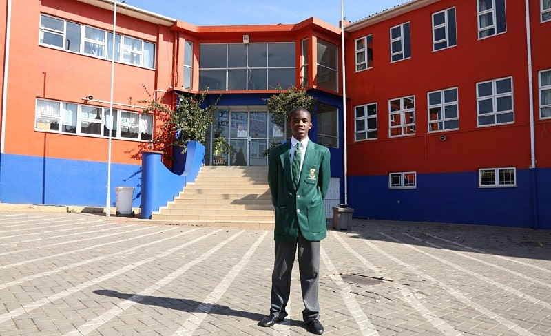Bronze medals were awarded to Andi Qu (Grade 12) from St John's College in Gauteng, Kgaogelo Bopape (Grade 12) from Horizon International School in Gauteng, and Jean Weight (Grade 12) from Curro Hermanus in the Western Cape, while Kerry Porrill (Grade 11) from Cannons Creek Independent School in the Western Cape, Emmanuel Rassou (Grade 10) from South African College Schools in the Western Cape, and Juliette Roux (Grade 10) from Herchel Girls' High School in the Western Cape received honourable mentions.